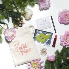 100% Pure Mother's Day Glam Gift Skincare