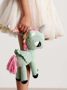 What's your Amigurumi spirit animal? The Rainbow Unicorn: he amigurumi unicorn is the playful crafter who loves anything colourful and cute. You've been know to cry, 'I love it!' and turn up to craft parties with sweet treats fo Crochet Diy, Crochet Amigurumi, Amigurumi Patterns, Amigurumi Doll, Crochet Crafts, Crochet Dolls, Crochet Projects, Baby Knitting Patterns, Crochet Patterns