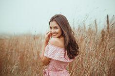 Fifteens anos) - Karol - Serra do Rio do Rastro Model Poses Photography, Girl Photo Poses, Girl Photos, Debut Photoshoot, Stylish Dpz, Girls With Flowers, Teenage Girl Photography, Portrait Photographers, Women