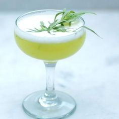 THE SKIMLET    Ingredients: Voli Lyte Vodka (a brand-new, reduced-calorie brand of vodka), pineapple juice (known for its detoxifying properties), lime juice, agave nectar, and fresh tarragon (which aids in digestion and contains more 70 phytonutrients)