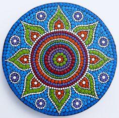 Flower Mandala, painted by Melinda Tamas, acrylic paint on canvas 15 cm, dot painting