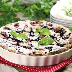 Drottningkaka med mandelmassa - Hemmets Journal Swedish Recipes, Sweet Recipes, Cake Recipes, Bagan, Gluten Free Vegetarian Recipes, Sweet Pie, Sweet Sweet, Sweet Stuff, Food Cakes