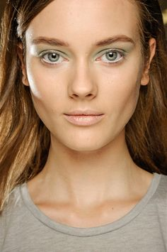 pretty daytime look with a subtle pop of color #makeup #stylish #makeup