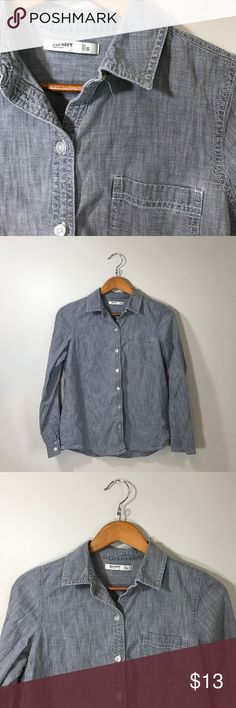 Staple Gray Denim Button Up from Old Navy Staple Gray Denim Button Up from Old Navy- size small. Perfect condition. Old Navy Tops Button Down Shirts