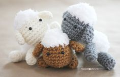 Repeat Crafter Me: Crochet Lamb Pattern and Baby Mobile - Amigurumi Crochet Diy, Crochet Gratis, Crochet Amigurumi, All Free Crochet, Amigurumi Patterns, Crochet Dolls, Knitting Patterns, Crochet Patterns, Ravelry Crochet