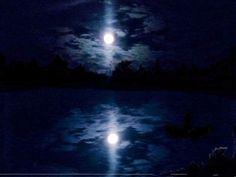 Luna veghează!
