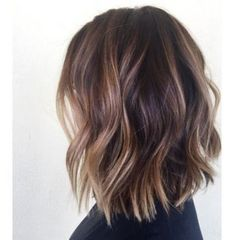 Ideas Hair Color Short Balayage Lob Haircut For 2019 Balayage Lob, Short Balayage, Bronde Bob, Caramel Balayage, Medium Wavy Bob, Short Wavy, Short Lobs, Medium Layered Haircuts, Short Ombre