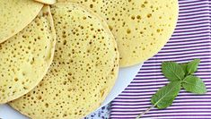 Clatite de post umplute cu dulceata de afine, Rețetă Petitchef Chefs, Cookies Et Biscuits, Nutella, Cake Recipes, Sandwiches, Bread, Snacks, Cooking, Ethnic Recipes