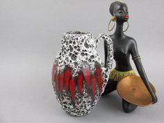 Vintage Vase von Scheurich Lora 414-16 Fat Lava Krug WGP West Deutsche Keramik Mid Century Modern rot schwarz weiß von ShabbRockRepublic auf Etsy