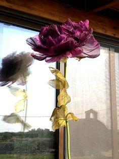 Giant flower in organza/paper flower/ foam flower/large flower/backdrop/handmade/wedding/decor/gift/artificial flower/idea/house decor Giant Flowers, Fake Flowers, Amazing Flowers, Artificial Flowers, Baby Shower Decorations, Flower Decorations, Wedding Decorations, Organza Flowers, Fabric Flowers