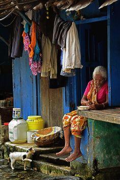 Colours of Life, Beldanga, West Bengal, India Village Photography, Life Photography, Street Photography, Nova Deli, Street Style India, Indian Doors, Rural India, Amazing India, India Culture