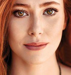 For Fans of Turkish Actors and Actresses Gorgeous Eyes, Beautiful Redhead, Most Beautiful Women, Light Red Hair, Spanish Woman, Elcin Sangu, Hooded Eye Makeup, Turkish Beauty, Turkish Fashion