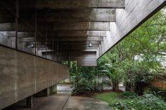 Paulo Mendes da Rocha, Leonardo Finotti · House in Butantã