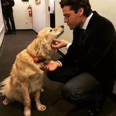 ❤️ Oscar Isaac and a dog. I'm dead, I died, I'm dead.