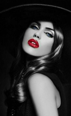 black and white fashion photography Red Colour Palette, Eye Color, Splash Photography, Black And White Photography, Fashion Photography, Black White Red, Black And White Pictures, Color Splash, Color Pop