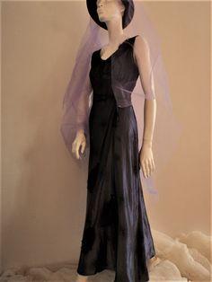 Vaateviidakko: Lila iltapuku Fantasy Costumes, Handmade Dresses, Diy Dress, Party Dresses, Evening Dresses, Clothes, Tween Party Dresses, Evening Gowns Dresses, Outfits