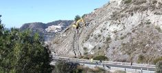 LA HERRADURA. El Ministerio de Fomento, a través de la empresa de mantenimiento de la Carretera Nacional 340, ha iniciado este jueves los trabajos de limpieza de piedras del talud y