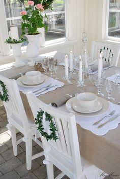 Vitt hus med vita knutar: PAVILJONG