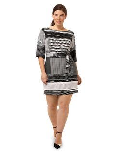 Love love love the pattern.  And of course, the 3/4 length sleeve.