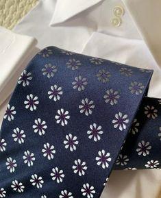 Dress Suits For Men, Mens Suits, Suit Fashion, Mens Fashion, Shirt Tie Combo, Tie A Necktie, Blue Dots, Tie Pattern, Savile Row