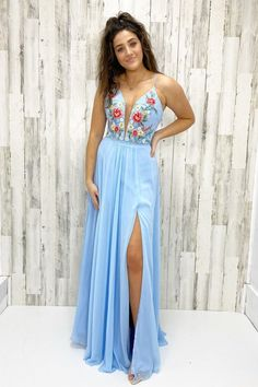blue chiffon long prom dress with floral embroidery bodice. Thanks to the side slit, your long leg will show off! Yellow Homecoming Dresses, Dark Green Prom Dresses, Best Formal Dresses, Floral Prom Dresses, Green Bridesmaid Dresses, Designer Prom Dresses, Prom Dresses Online, Formal Evening Dresses, Girls Dresses