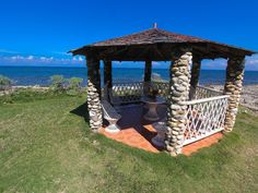 One low price rents the ENTIRE oceanfront... - VRBO
