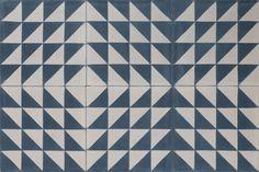pythagoras-twisted-midnight-blue-white