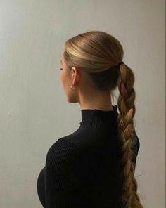 Hair Inspo, Hair Inspiration, Fashion Inspiration, Aesthetic Hair, Beige Aesthetic, Dream Hair, Hair Dos, Pretty Hairstyles, Her Hair