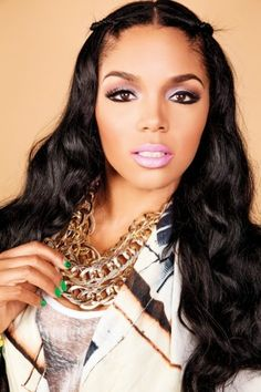Rasheeda, rapper and Love & Hip Hop Atlanta reality television star looks beautiful wearing her bright lipstick in a recent article with Vibe Vixen Magazine. The green nail polish looks great too. Love And Hip, Love N Hip Hop, Pompadour, Weave Hairstyles, Pretty Hairstyles, Hip Hop Atlanta, Main Image, Bright Lipstick, Pink Lips