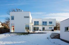 (via Modern Swedish Villa by Thomas Eriksson)