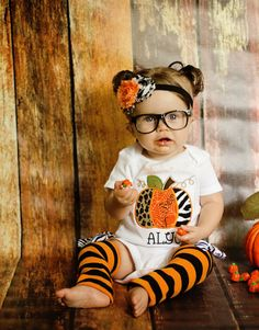 3 Pc. Baby GIRLS PUMPKIN ONESIE set-Girls Pumpkin Applique Onesie-Halloween Photo Props-Halloween Birthday Onesie