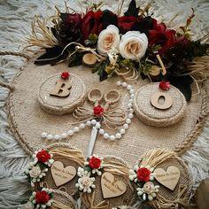 Rustic nişan tepsi ve magnetler #söztepsisi #nişan #nişantepsisi #kütüknişantepsisi #kutuktepsi #kütükmumluk #kütüktepsi #nisantepsisi #hediyelik #hediyelikmum #rustic #burlap #vintage #ayna #pleksi #nişanhediyesi #nisanhediyelikleri #engagement #weddinginspiration #gelinbuketi #düğün #kinagecesi #sozhediyelikleri #magnet #pleksi #ahsap #burlap #lavantakesesi #lavander #magnet