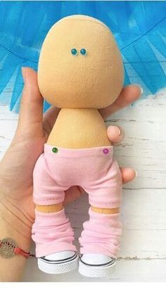 Simple Fabric Crafts You Can Make From Scraps - Diy Crafts Doll Shoe Patterns, Homemade Dolls, Pink Doll, Sewing Dolls, New Dolls, Soft Dolls, Doll Crafts, Cute Dolls, Fabric Dolls