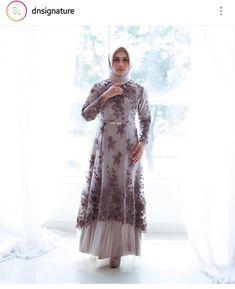 Dress Brukat, Kebaya Dress, Batik Dress, Hijab Dress, Dress Outfits, Lace Dress, Swag Dress, Chic Dress, Dress Shoes