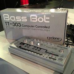 Bass Bot TT 303