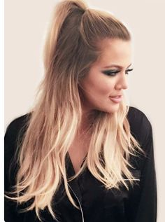 Hairstyle Khloè Kardashian et sa demi-queue