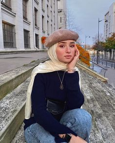 Aesthetic Vintage Fashion Hijab✔ Aesthetic Vintage Fashion Hijab Discover all our jewels, simple, discreet and elegant ✨ Holà🍂 Image may contain: 1 person, sunglasses and closeup 21 Ramdan Modest Fashion Hijab, Street Hijab Fashion, Casual Hijab Outfit, Casual Outfits, Retro Outfits, Fashion Outfits, Hijab Dress, Emo Fashion, Women's Casual