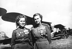 """Members of the all Female Soviet Air Force unit  588th Night Bomber Regiment, whom German soldiers nicknamed """"The Night Witches"""" (Polikarpov Po-2)"""