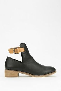 Urban Outfitters x Ecote Ankle Boot size 8.5
