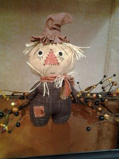 Scarecrow Stumpkin #511jk12 He even looks scared! I love him. happy heart pattern