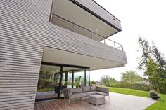 Kebony is a beautiful wood recommended by leading architects. It is sustainable, durable and requires no maintenance beyond normal cleaning. Kebony's performance has been proven in a variety of applications including decking and cladding. Cladding, Sustainability, Facade, Architecture, Outdoor Decor, Projects, Decking, Beautiful, Home Decor
