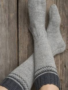 Gray knee-high socks on an embroidery strip - Super knitting Crochet Socks, Knitting Socks, Knit Crochet, Wool Socks, Colorful Socks, Knee High Socks, Warm Outfits, Crochet Crafts, Mittens