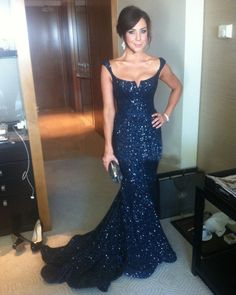 Aliexpress.com: Comprar Azul marino con lentejuelas encaje sirena baile vestidos largos 2016 P3160 personalizada Plus tamaño de Vestidos de Gala fiable proveedores en vnaix dress factory