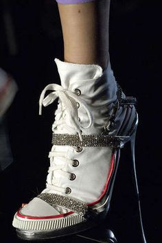 Jean Paul Gaultier's Shoe Collection: Opposite Trend Continues