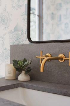 California Casual Decor by Jenni Kayne California Home Decor, California Homes, Bathroom Inspiration, Interior Inspiration, Bathroom Ideas, Scandi Home, Casual Decor, Guest Bathrooms, Natural Home Decor