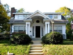 """uglywomensguide.com """"Sears Crescent with its expanded attic! The dormers were probably added in later years, after the home was built."""""""