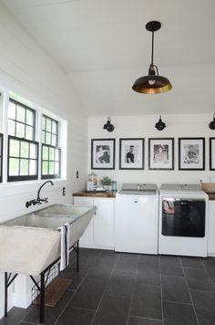 35 Best Modern Farmhouse Laundry Room Design Ideas Reveal Efficiency Space - Home Decor Ideas Modern Laundry Rooms, Farmhouse Laundry Room, Laundry Room Organization, Laundry Room Design, Diy Organization, Laundy Room, Diy Décoration, Küchen Design, Design Ideas
