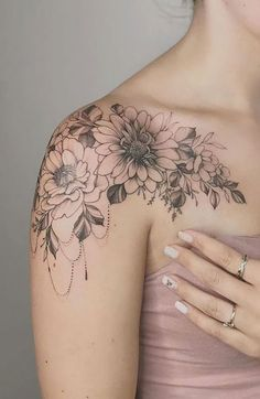 Shoulder Cap Tattoo, Sunflower Tattoo Shoulder, Shoulder Tattoos For Women, Sunflower Tattoos, Flower Tattoos On Shoulder, Simple Shoulder Tattoo, Shoulder Tattoo Female, Flower Tattoo Sleeves, Tattoo Ideas Flower