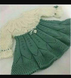 Diy Crafts - This Pin was discovered by Hob Diy Crafts Knitting, Knitting For Kids, Baby Knitting Patterns, Knitting Designs, Baby Patterns, Crochet Patterns, Crochet Baby Cardigan, Knit Baby Dress, Knitted Baby Clothes