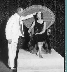 """Lisl Goldarbeiter fue coronada en Galveston Texas como la verdadera primera """"Miss Universe 1929"""" de la historia"""